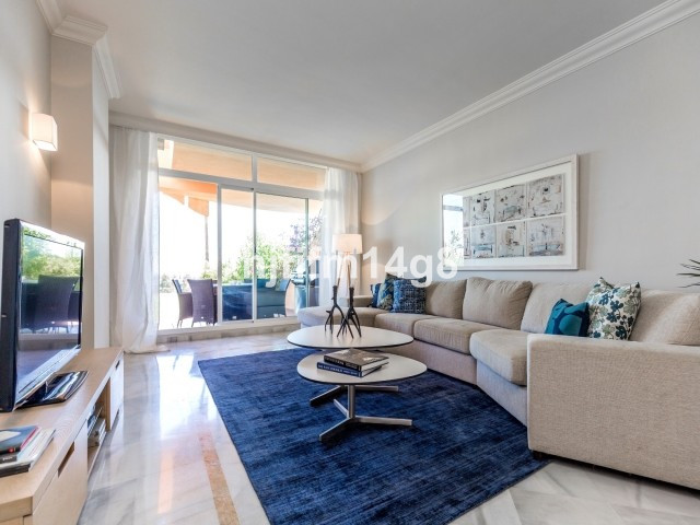 Ground Floor Apartment in Nueva Andalucía R2869361