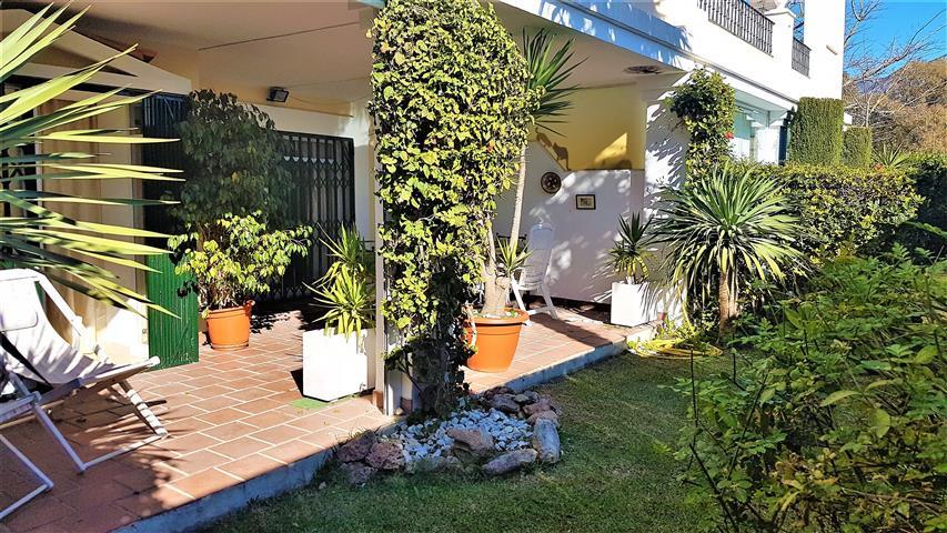 Ground Floor Apartment in Nueva Andalucía R3086377