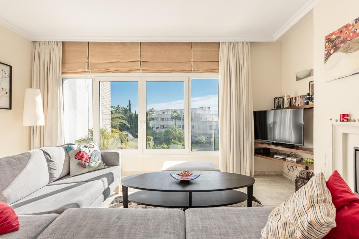 Penthouse in Nueva Andalucía R3085144