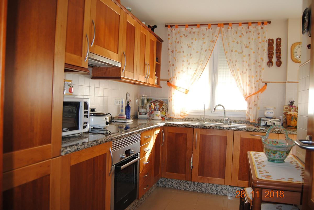 Apartment in Alhaurín de la Torre R3325192 4