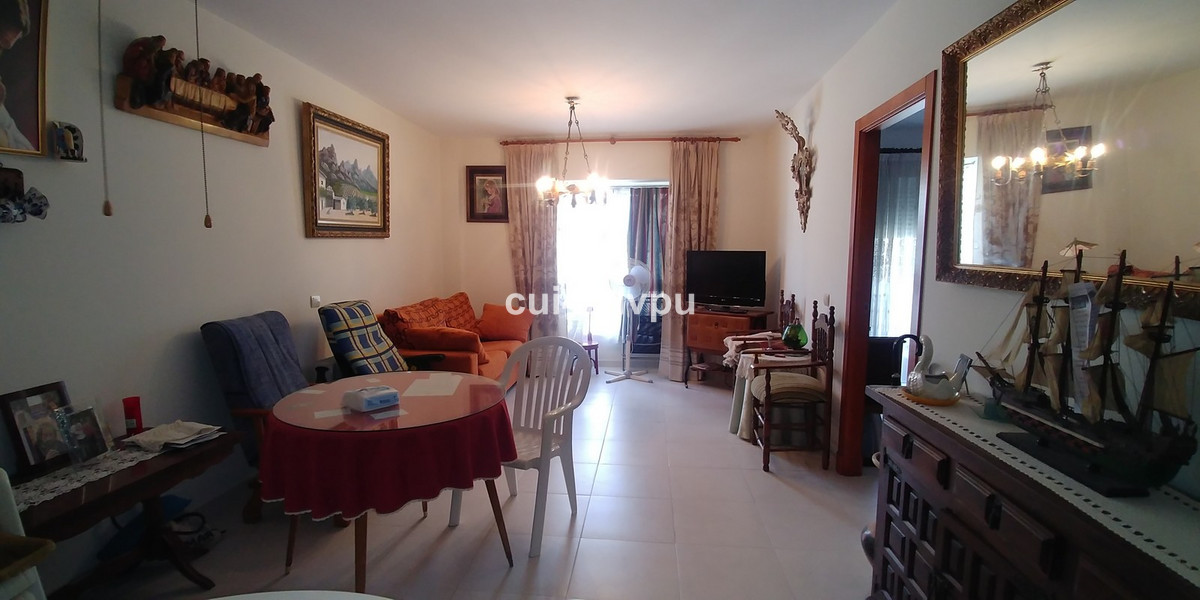 Middle Floor Apartment in Fuengirola R3342934