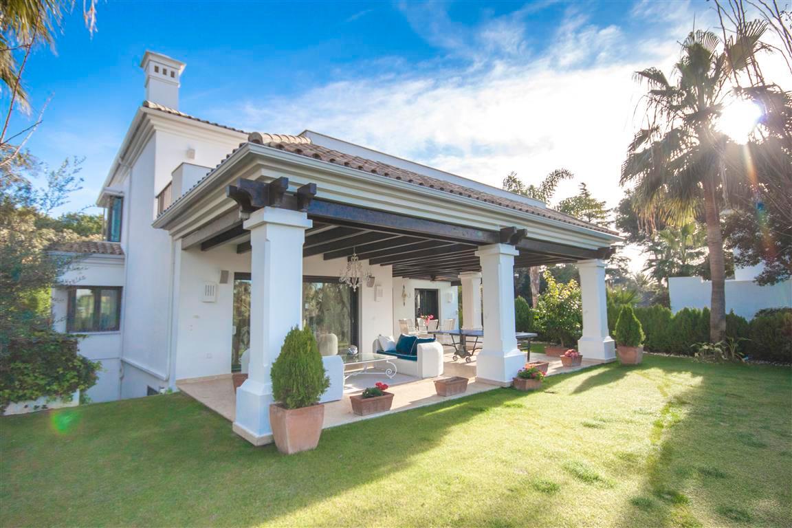 Detached Villa in Marbella R2874281