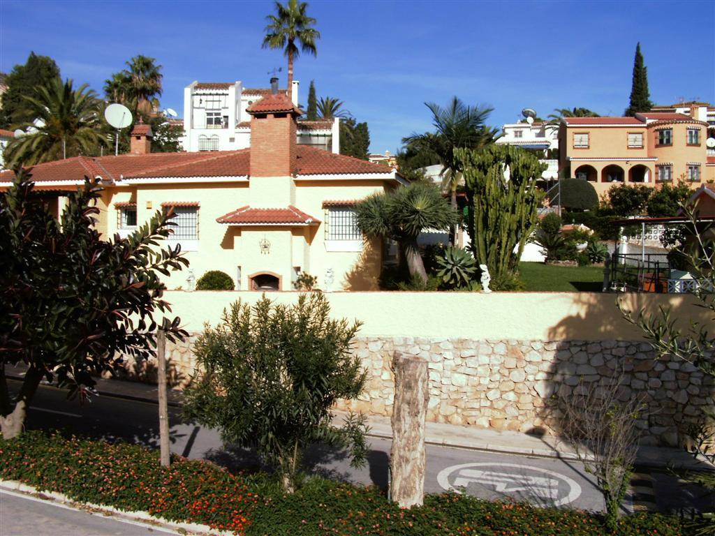 Detached Villa in Benalmadena Costa R127594