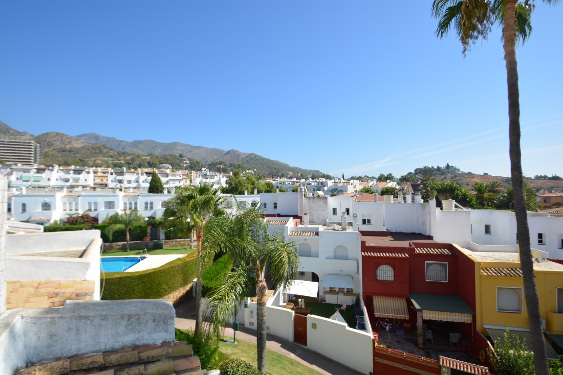 Townhouse in Marbella R2755382