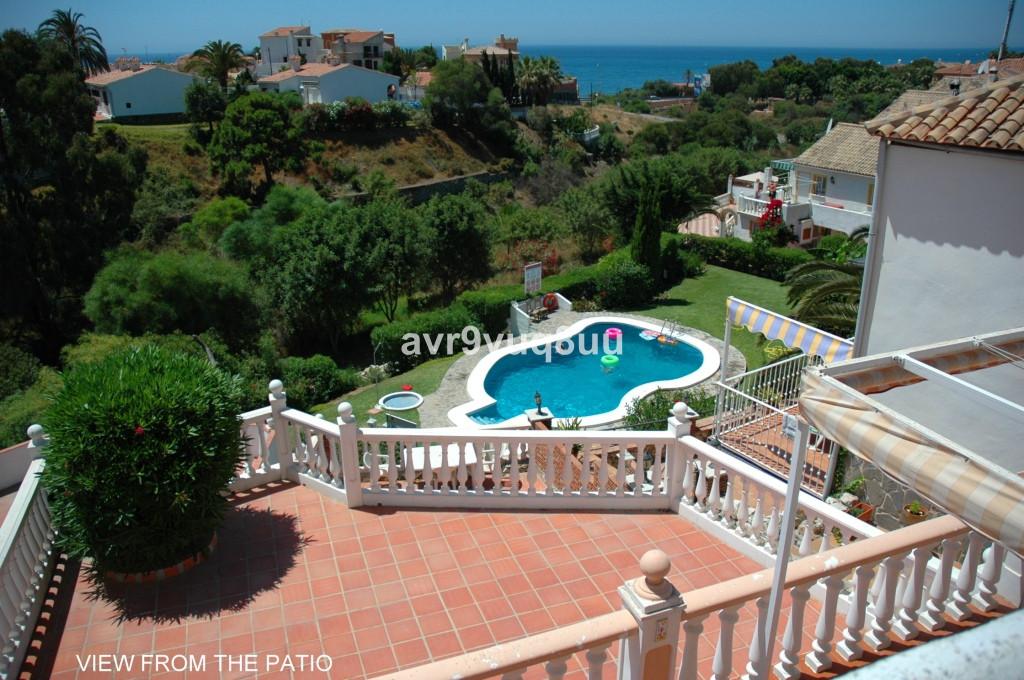 Detached Villa in Mijas Costa R2817263