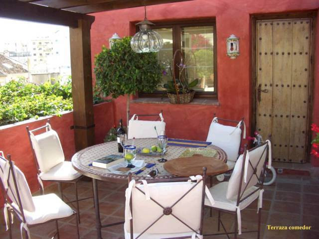 Townhouse in Marbella R2345465