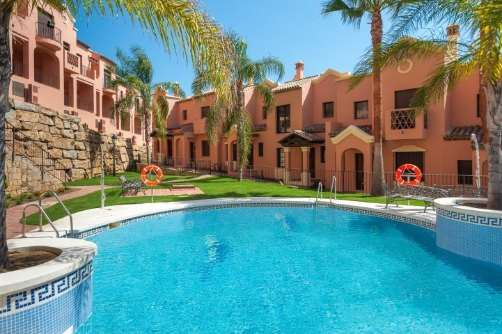 Townhouse in Estepona R3064351