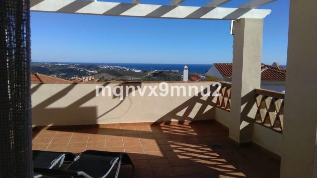 Detached Villa in Riviera del Sol R3269080