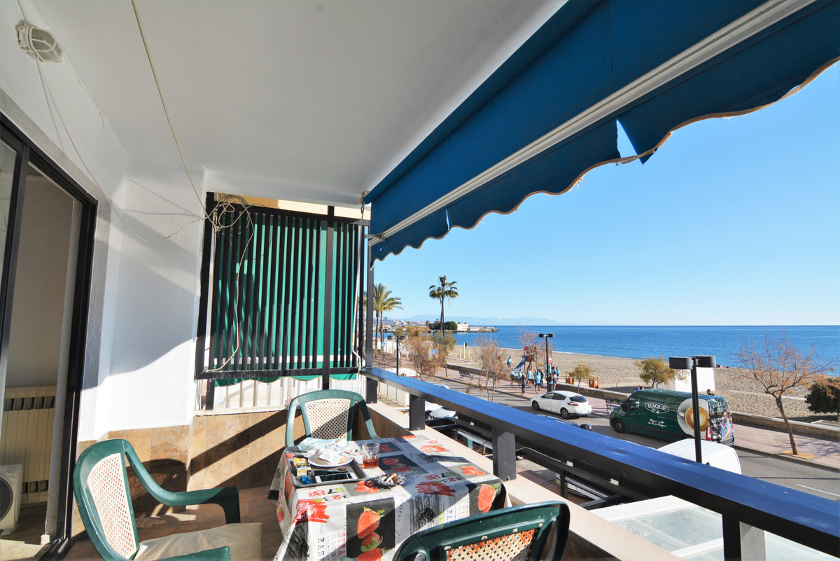 Semi-Detached House in Los Boliches R3274531