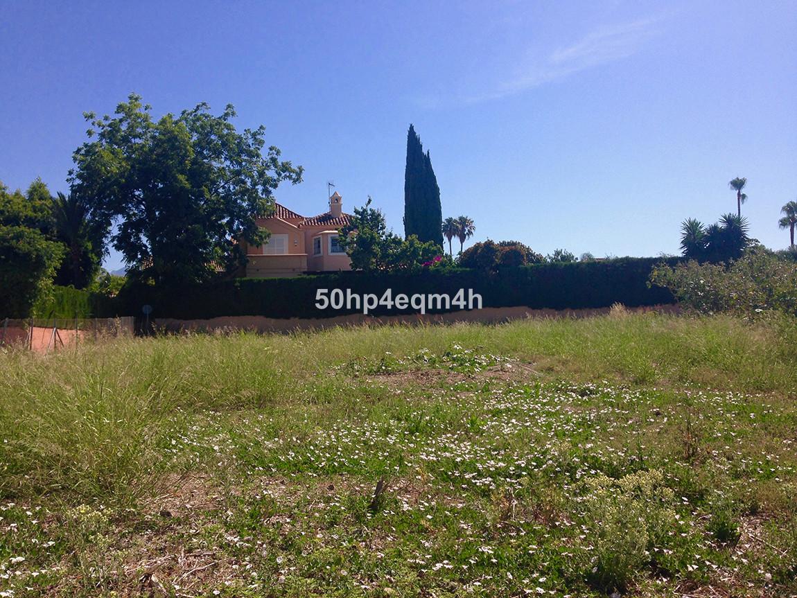 Residential Plot in Guadalmina Baja R3116593