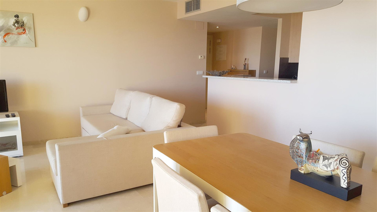 Apartment Middle Floor Calahonda Málaga Costa del Sol R3412918 10