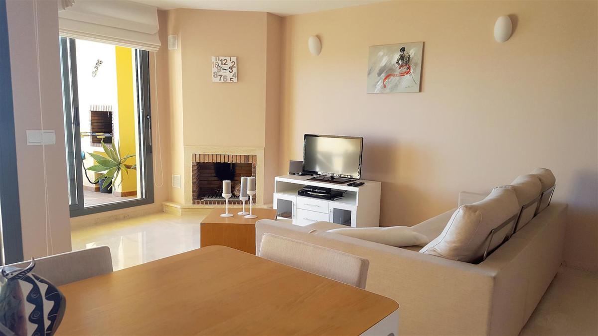 Apartment Middle Floor Calahonda Málaga Costa del Sol R3412918 9
