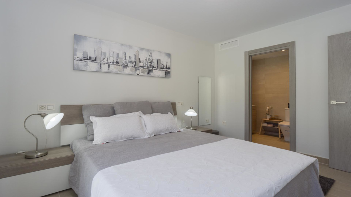 Apartment in Benalmadena Costa R3410365 11