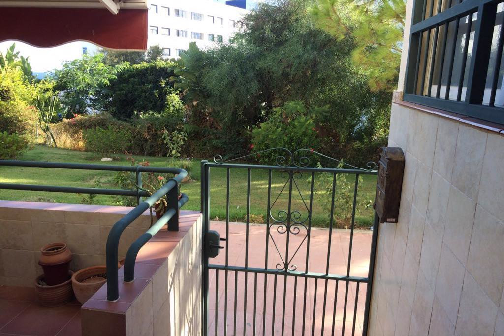 Estepona, only about 300M from the beach, a property very well located and central, a duplex with 3 ,Spain