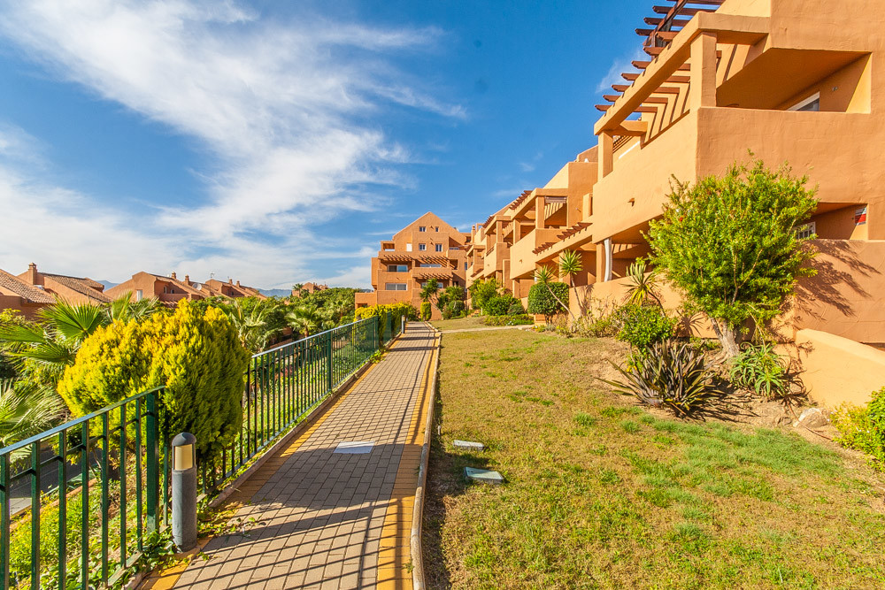 Apartment in Elviria R3307909 13