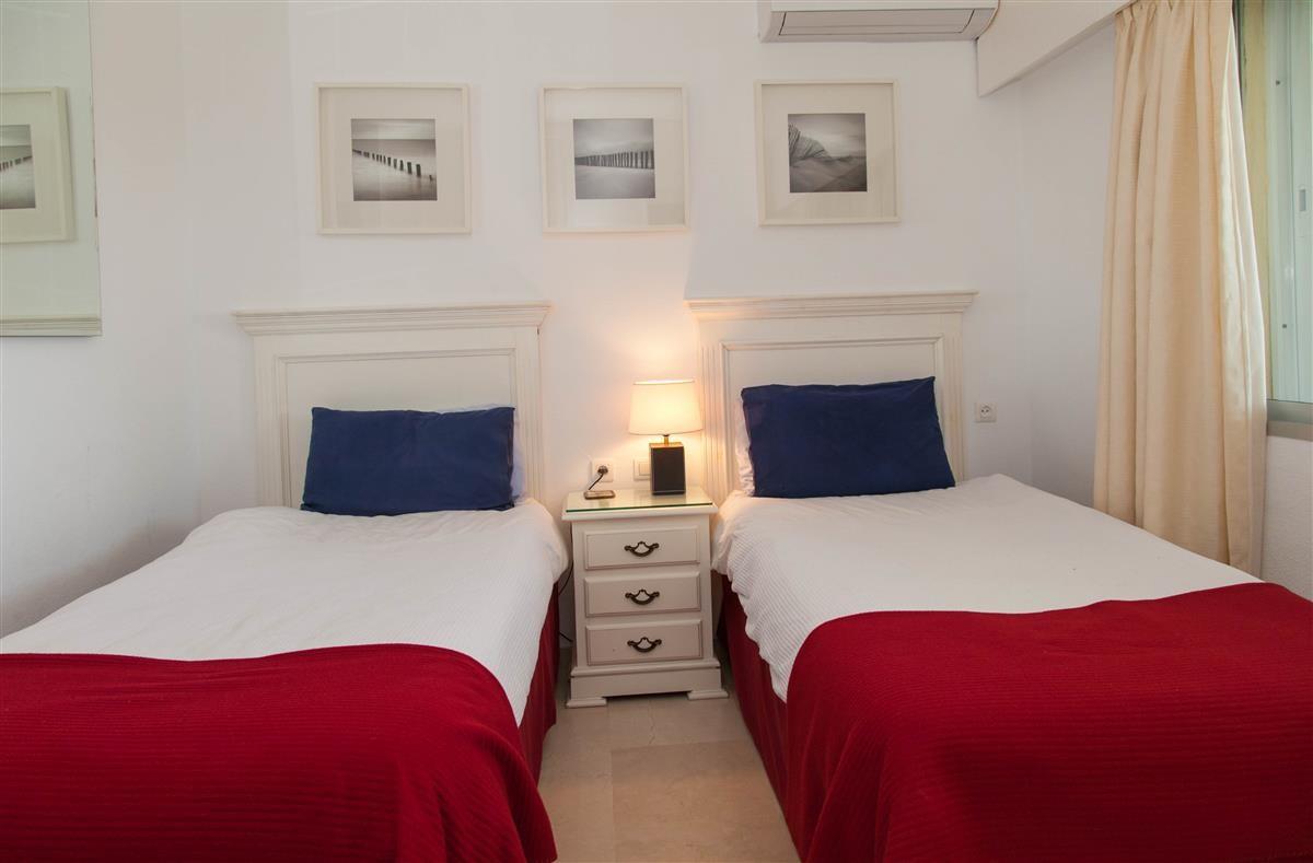 Apartment in Estepona R895239 11