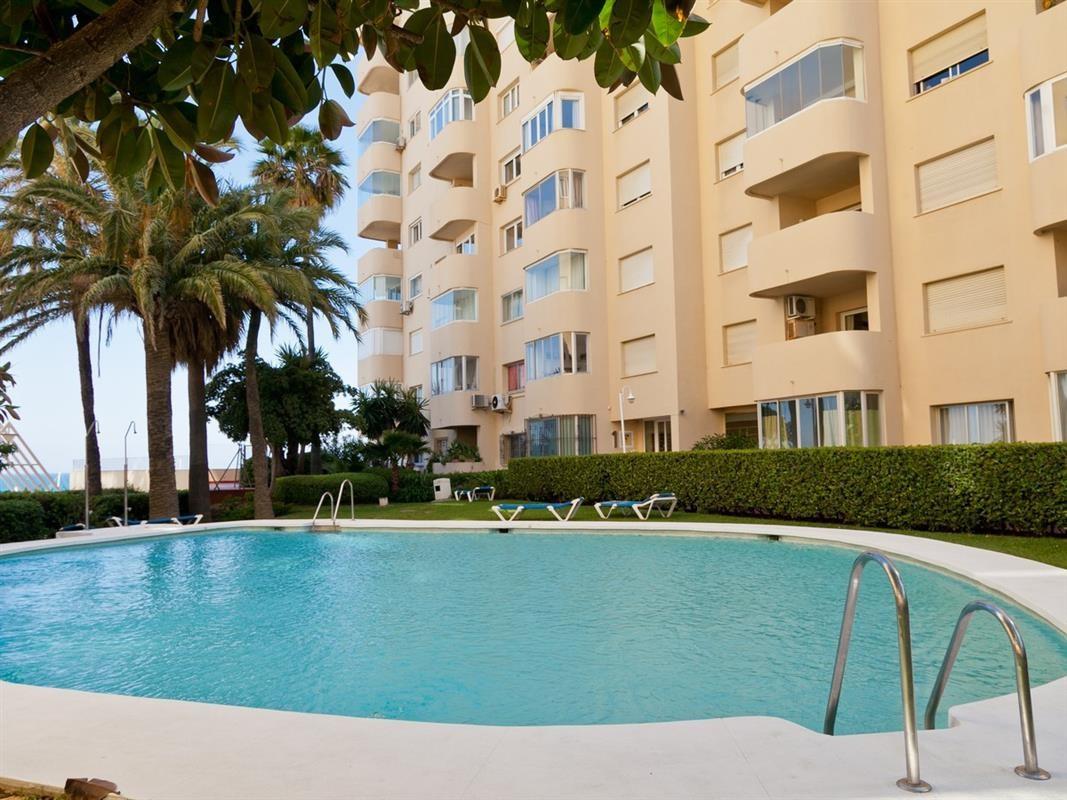 Apartment in Estepona R895239 13