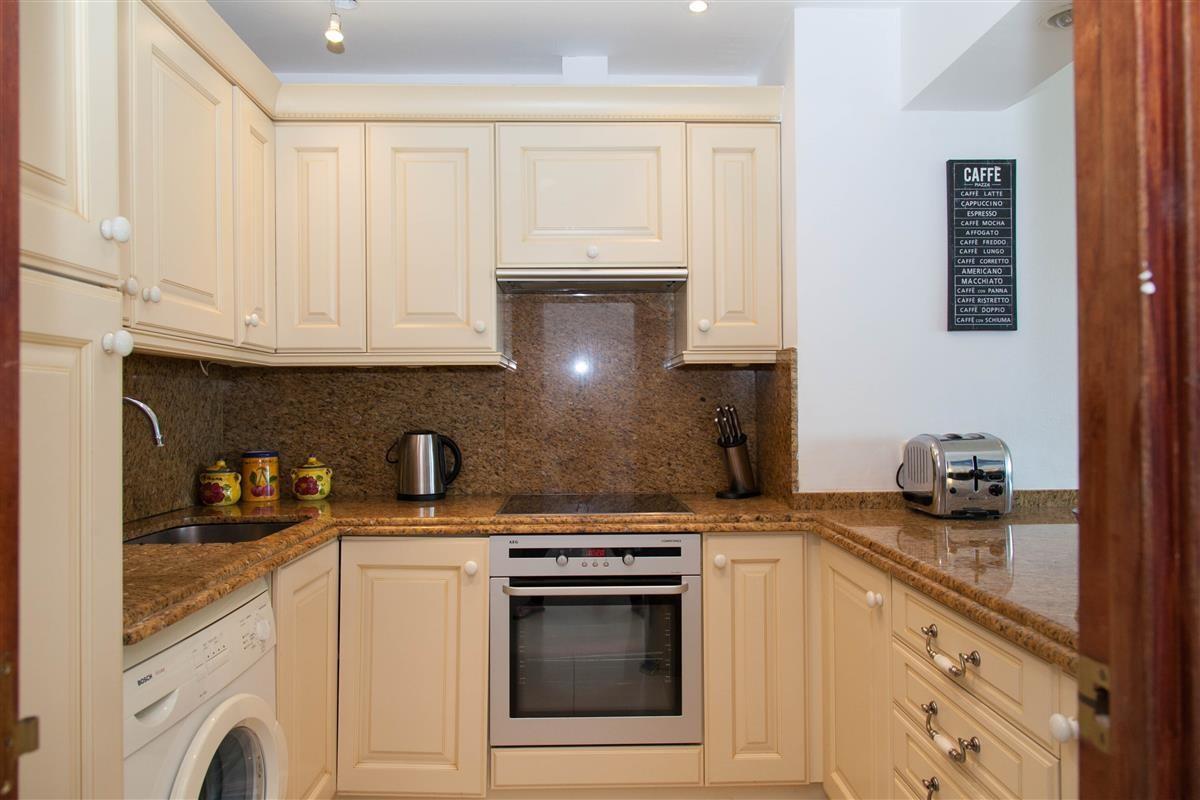 Apartment in Estepona R895239 16