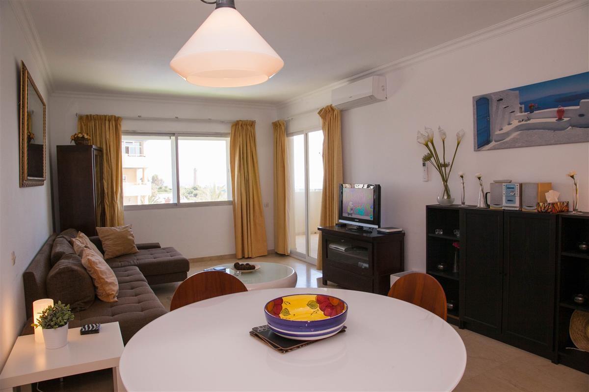 Apartment in Estepona R895239 17