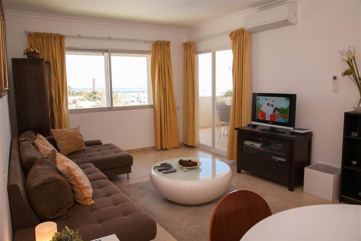 Apartment in Estepona R895239 3