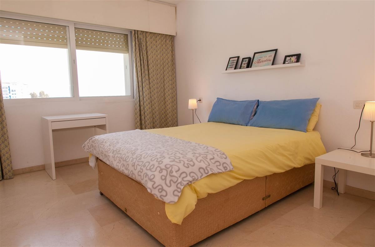 Apartment in Estepona R895239 6