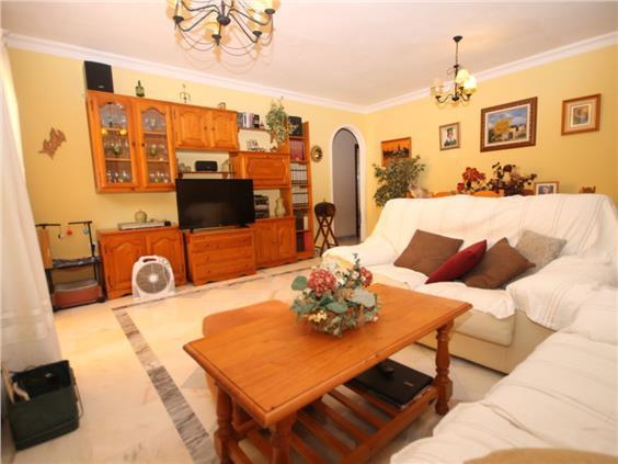 Middle Floor Apartment in Teatinos-Universidad R3323515