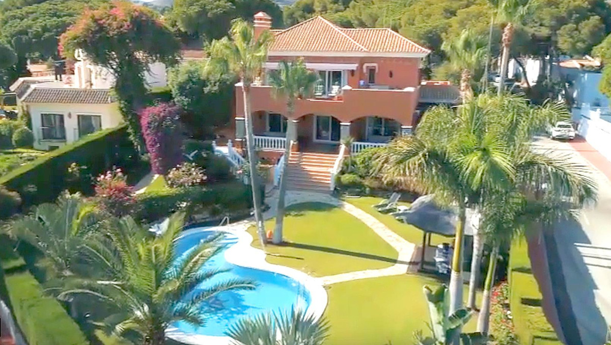 Villa Till salu i Calahonda R3501412