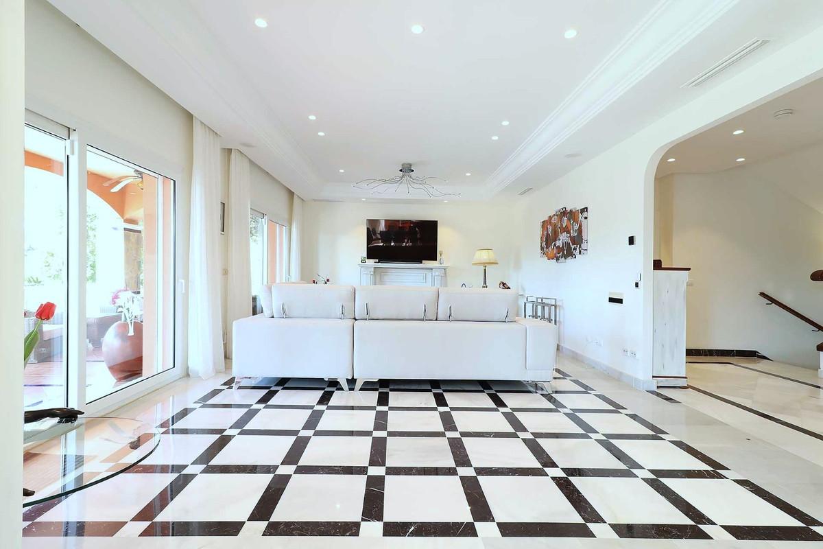 House in Calahonda R3501412 19
