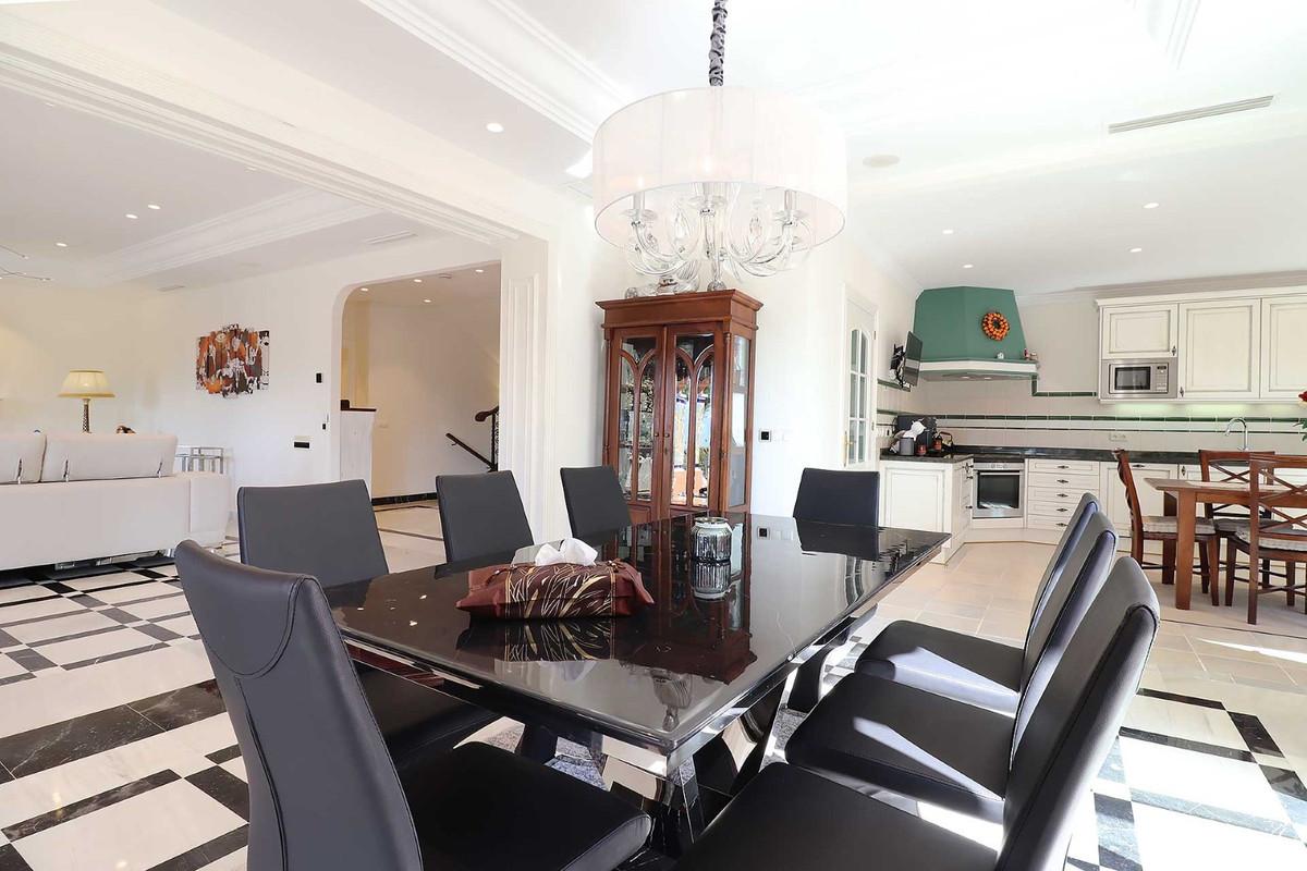 House in Calahonda R3501412 20