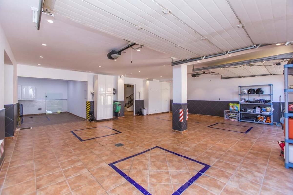 House in Calahonda R3501412 60