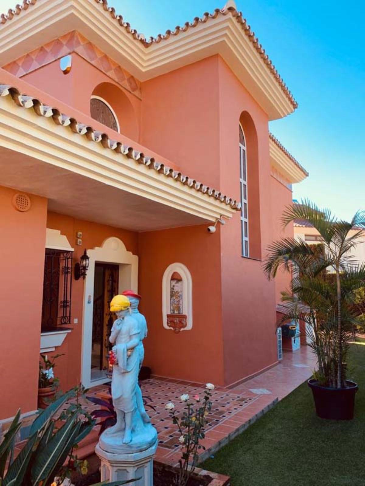 House in Calahonda R3501412 70