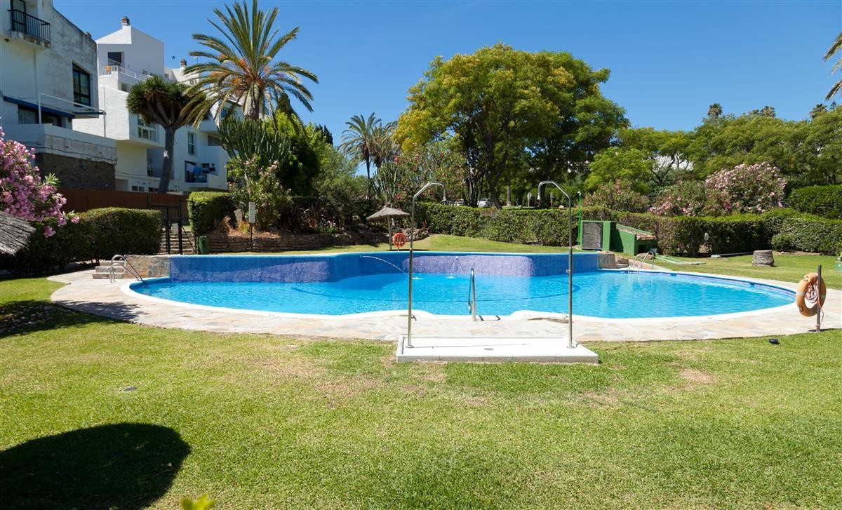 Apartment in Estepona R3328825 19