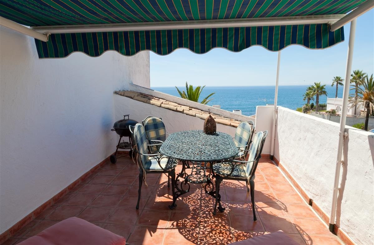 Apartment in Estepona R3328825 2 Thumbnail