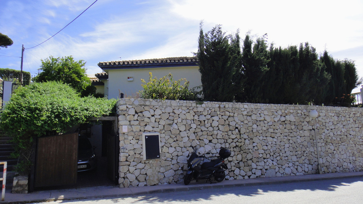 Detached Villa in Mijas Costa R2841080
