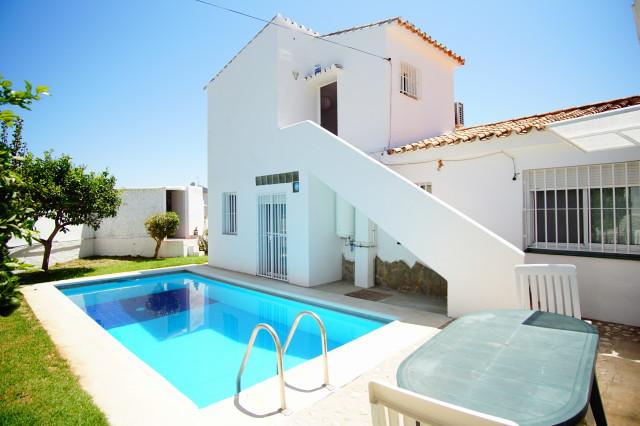 Detached Villa in Fuengirola R3185806