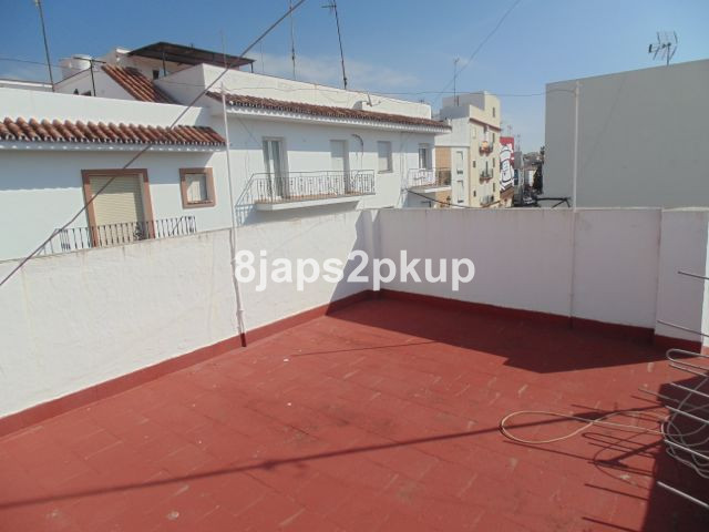 Townhouse in Estepona R3016774