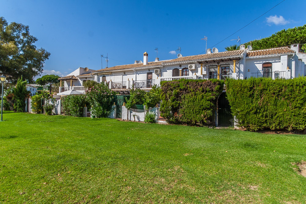 House in Elviria R3025133 1