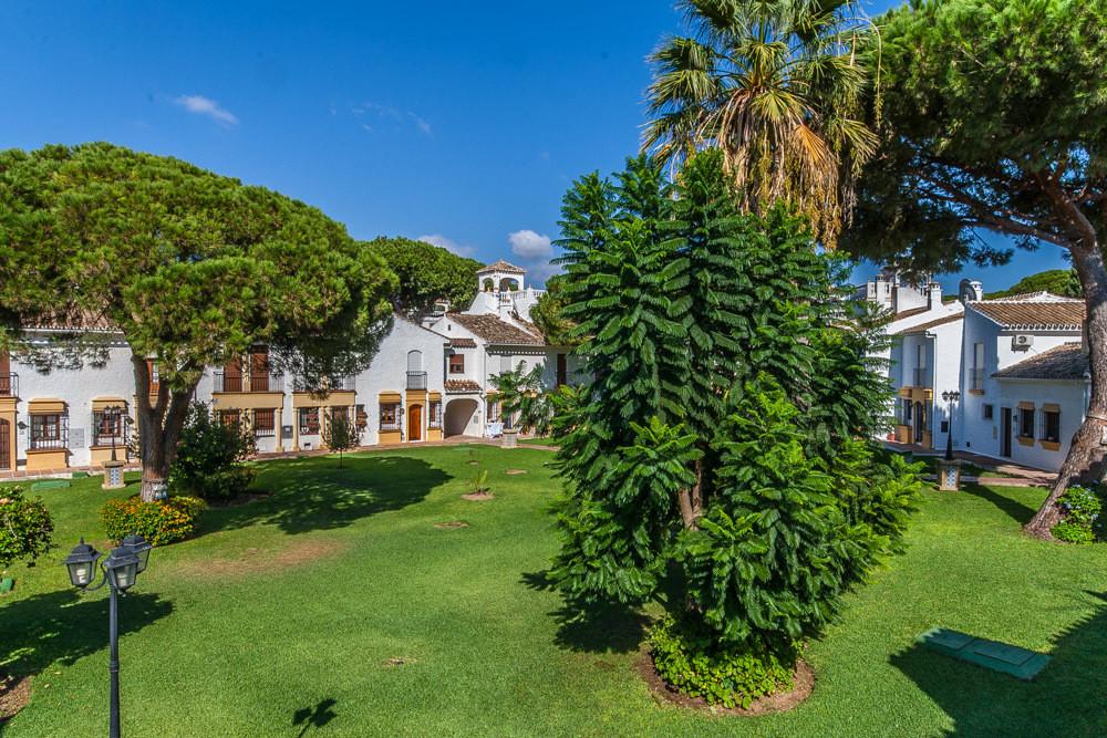 House in Elviria R3025133 11