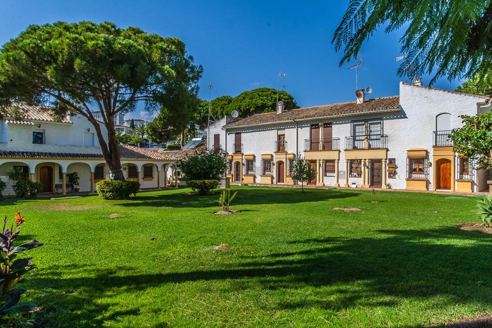 House in Elviria R3025133 15