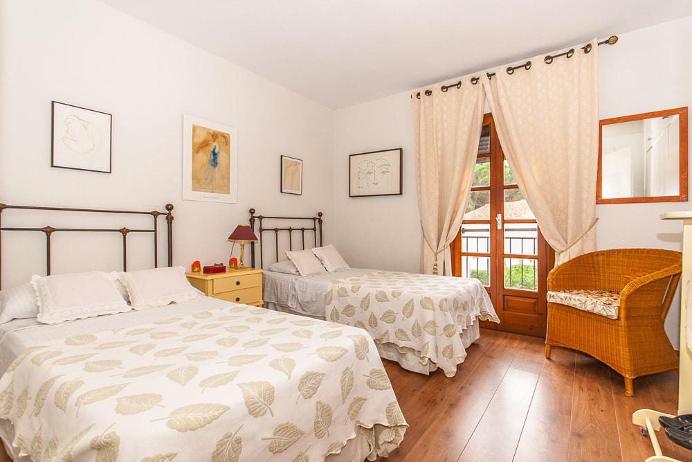 House in Elviria R3025133 9