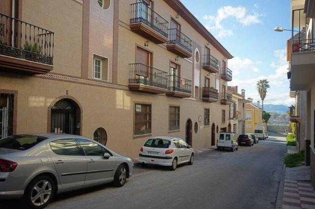 Middle Floor Apartment in Alhaurín el Grande R3295516