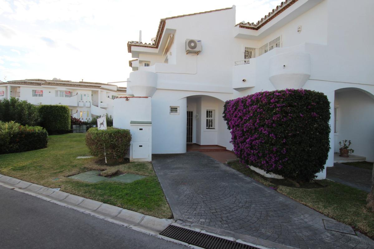 Townhouse in Calahonda R3342958