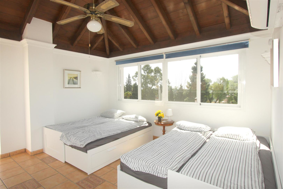 House in Marbella R3239923 11