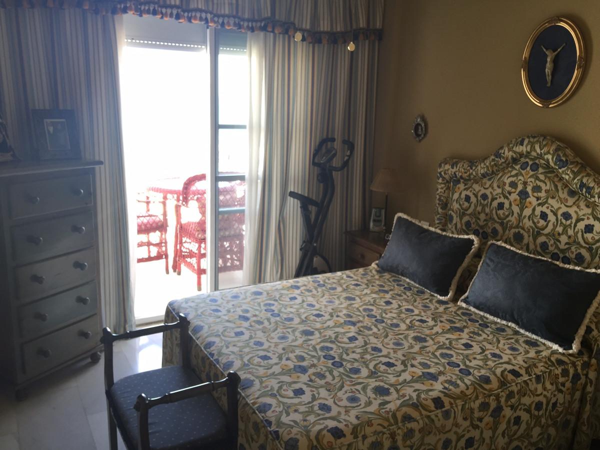 Apartment in Calahonda R2742623 4