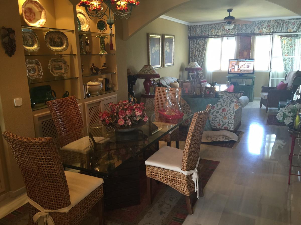 Apartment in Calahonda R2742623 8
