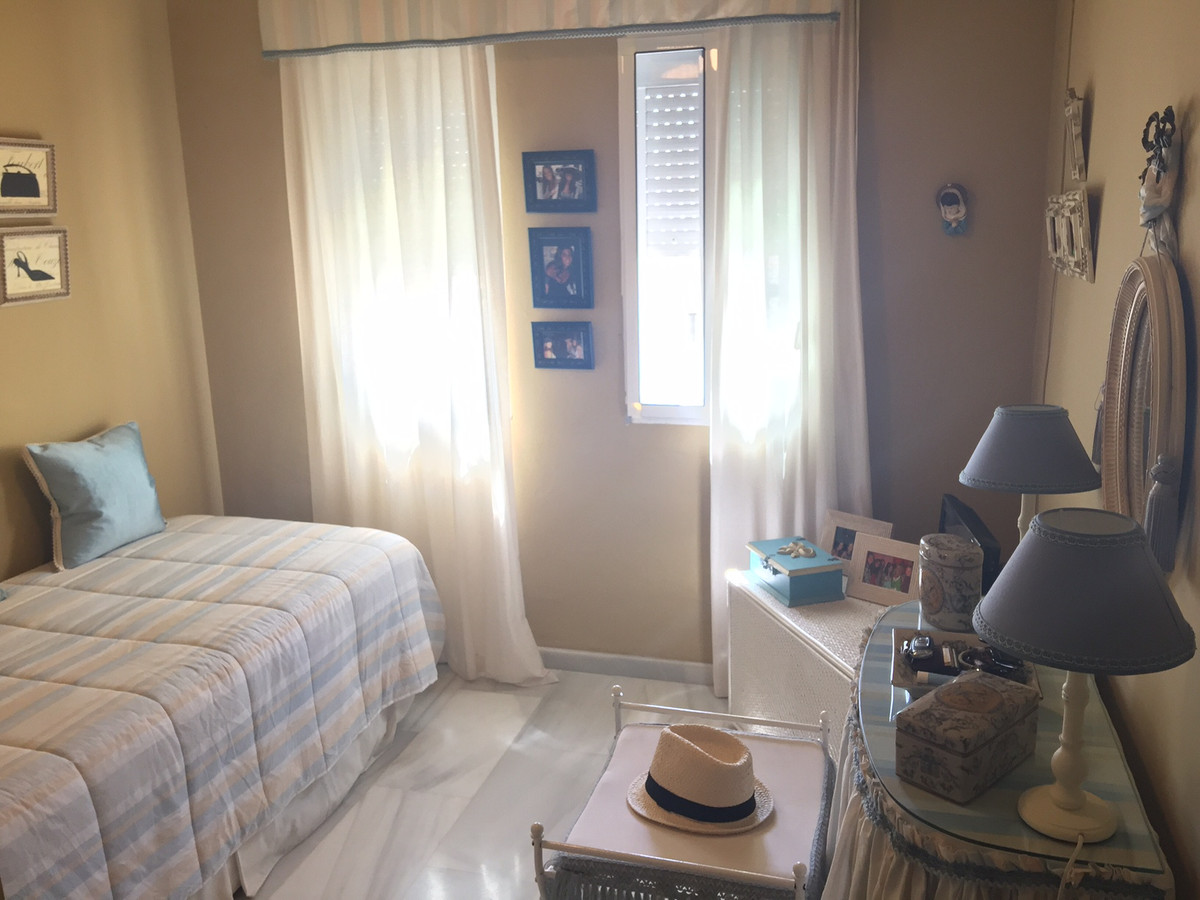 Apartment in Calahonda R2742623 9