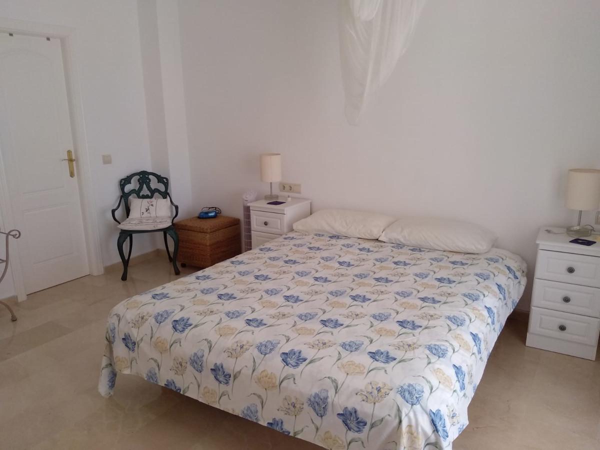 Apartment in Marbella R3260695 11