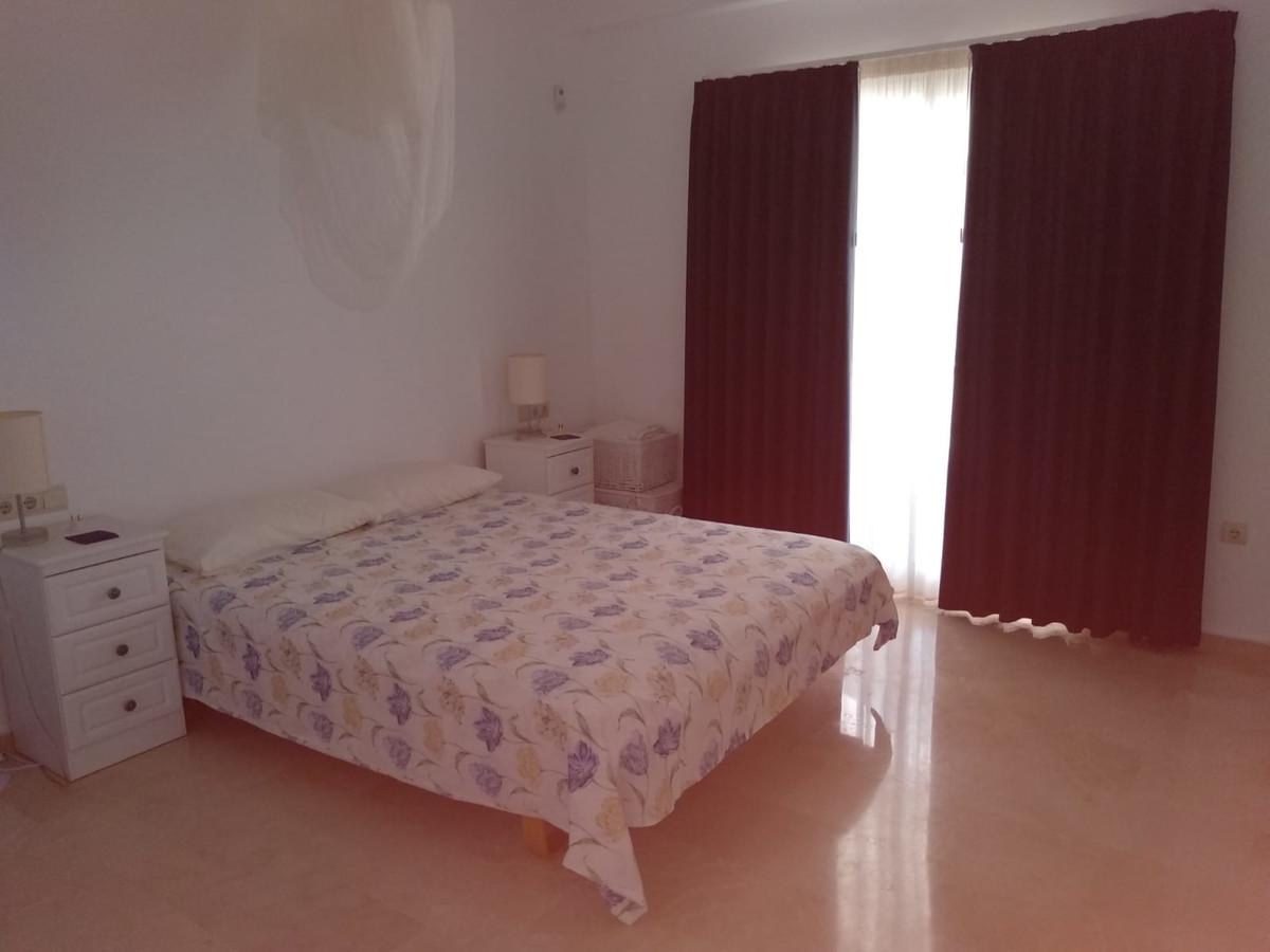 Apartment in Marbella R3260695 7