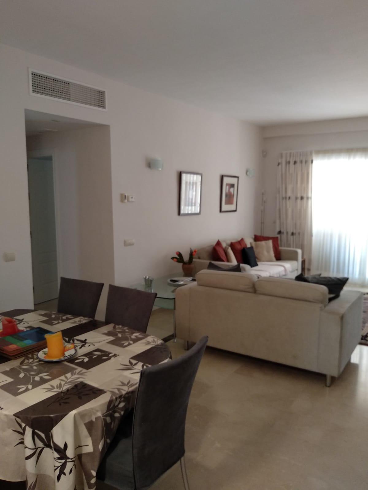 Apartment in Marbella R3260695 8