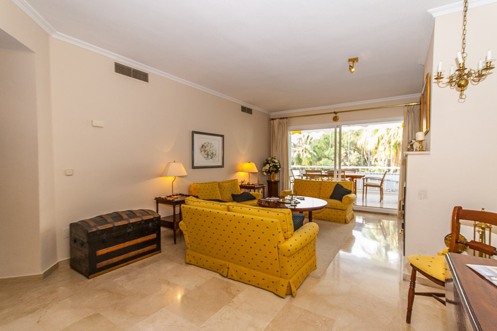 Apartment in Río Real R2896298 31